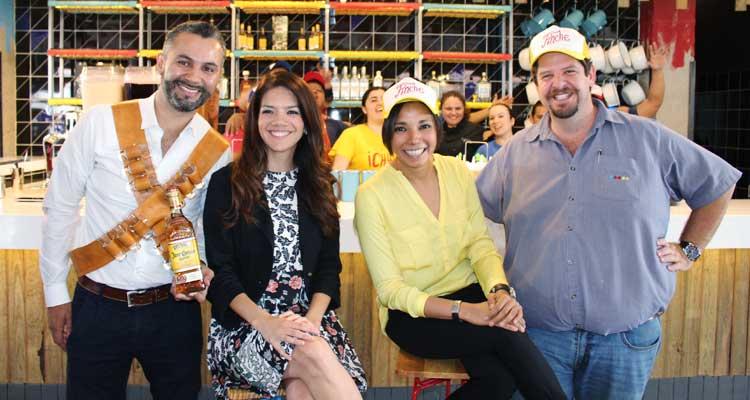 Fotografía oficial de la inauguración del nuevo restaurante en Plaza Concepción. / Cortesía.
