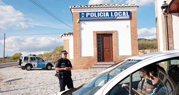Gracias a esta metodología, los habitantes de Jun también pueden fungir como policías. / Foto: The New York Times.