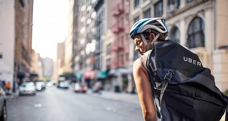 Uber también cuenta con un sistema de entrega de comida a domicilio llamado UberEats. / Foto: Cortesía Uber.